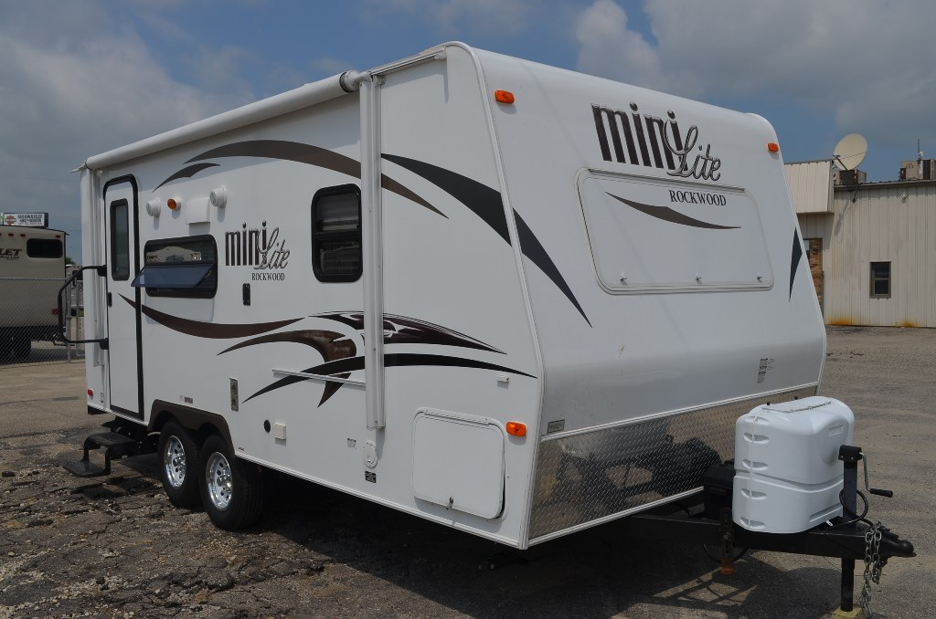 2014 Rockwood Mini Lite 2109s 21ft Rear Bath Travel