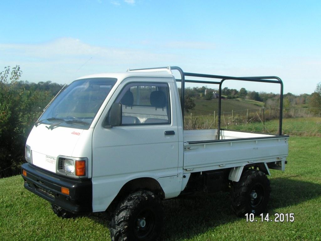 Japanese Mini Truck Daihatsu Hijet Truck In Flemingsburg