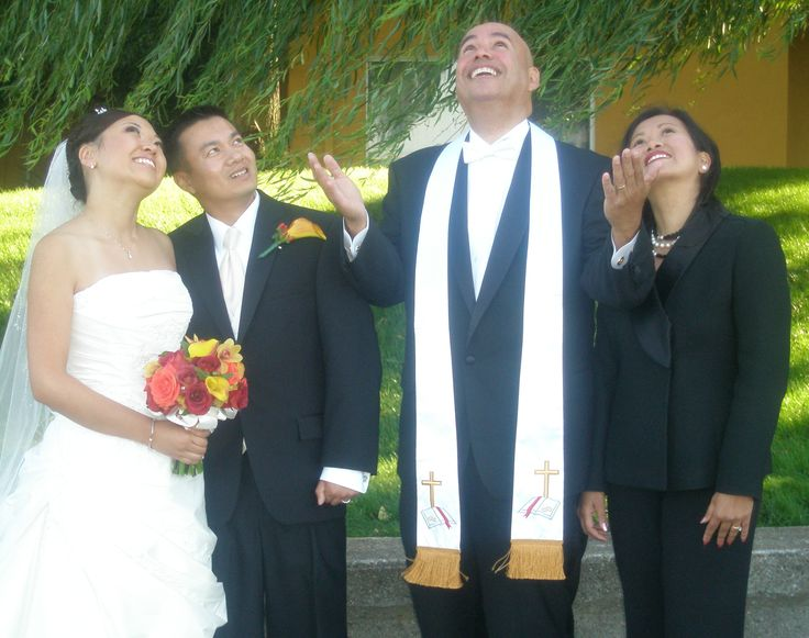 Filipino: Traditional Catholic Wedding Ceremony-Veil,Cord and Coins Ceremony by Padre Burgos
