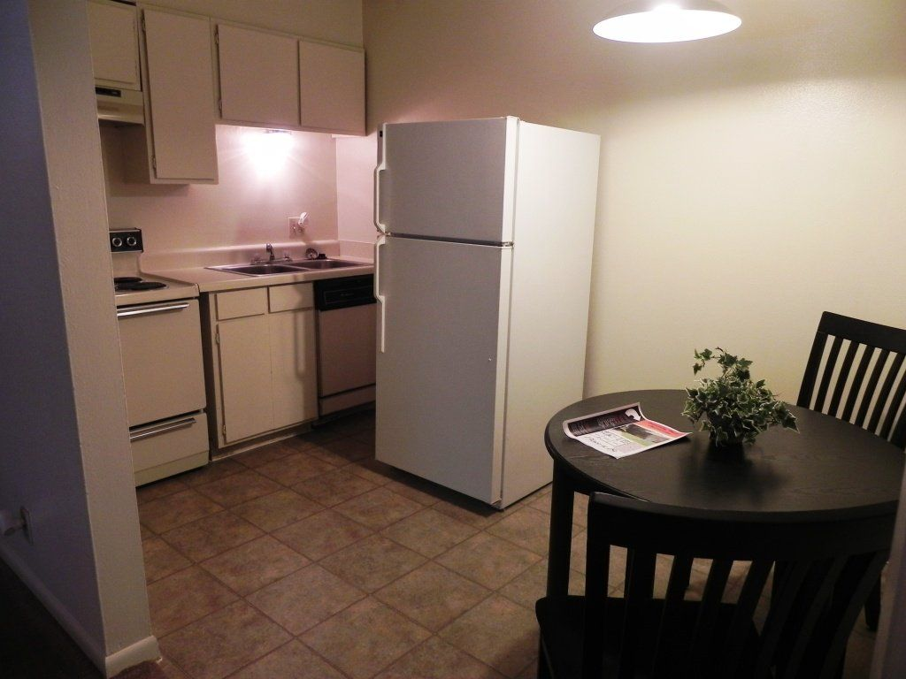 University Place Apartments Sublease w/ a FREE MONTH! All ...