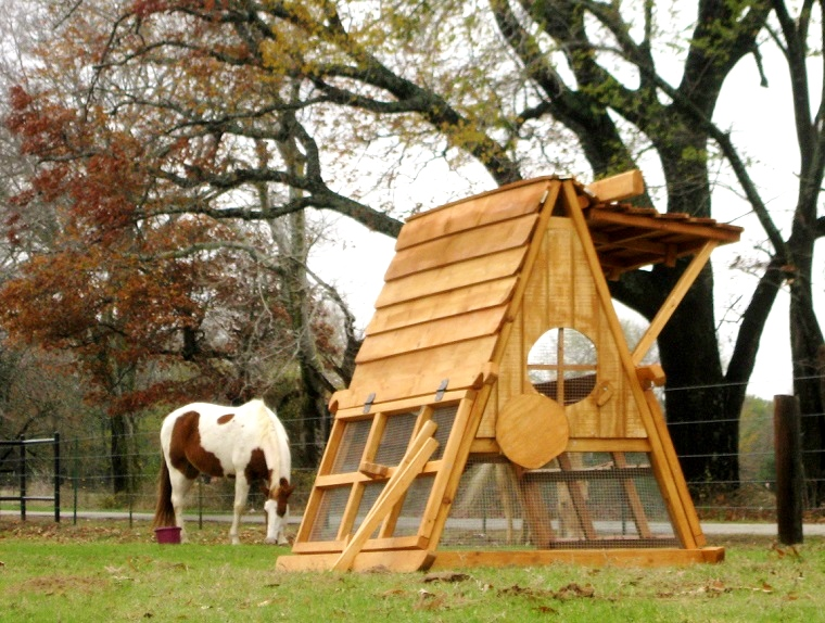 ON SALE   Portable Coop For Free Range Chickens ...