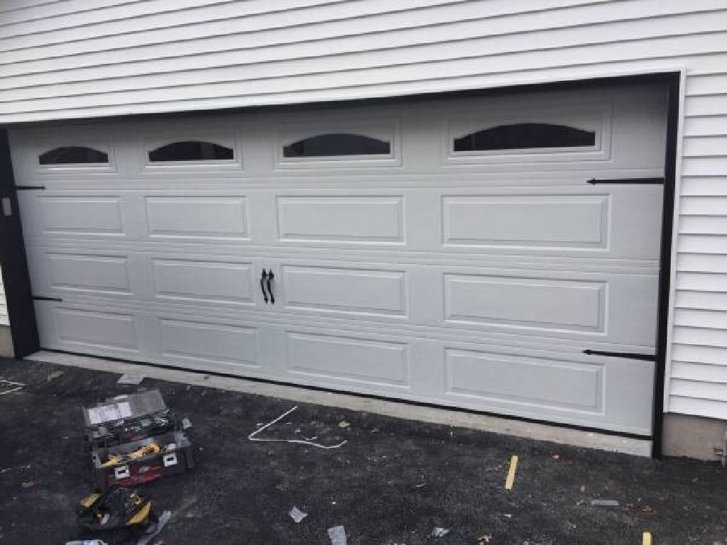 WE DO GARAGE DOORS REPAIR AND INSTALLATION SERVICE NEW YORK