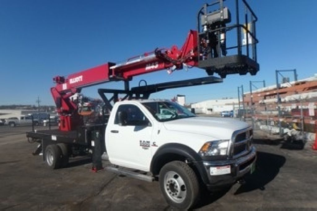 Crane Truck For Sale >> Sign And Lighting Crane Truck For Sale Elliott M43 Under Cdl