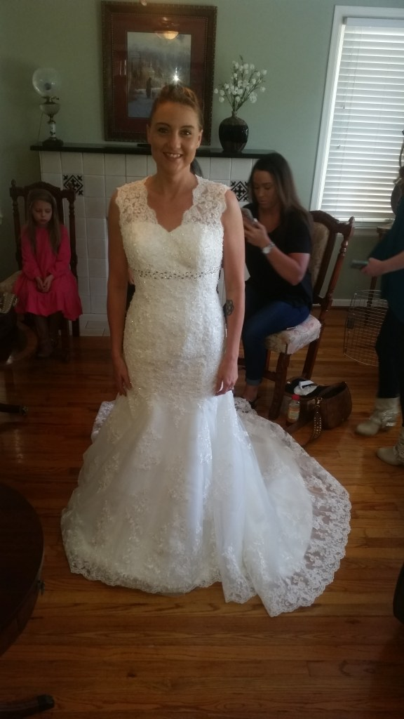 Rose's Mermaid Lace Empire Waist Wedding Dress Size 4 & 16