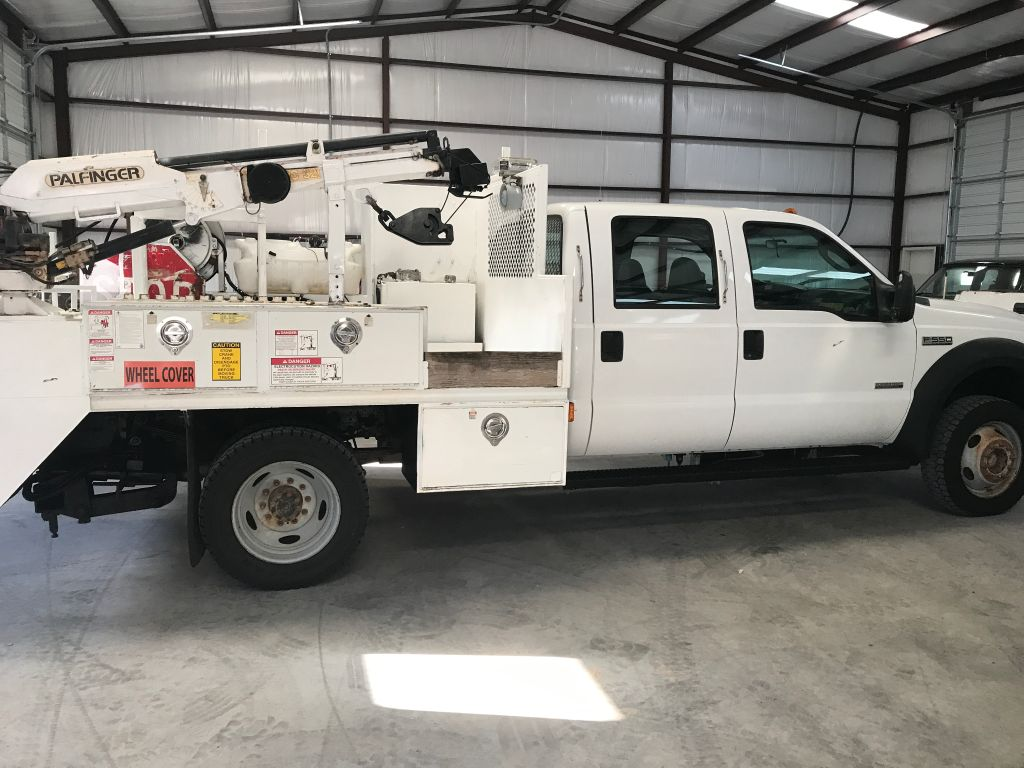 2006 Ford F550 4x4 Crewcab Drw ONE owner TEXAS truck Powerstroke
