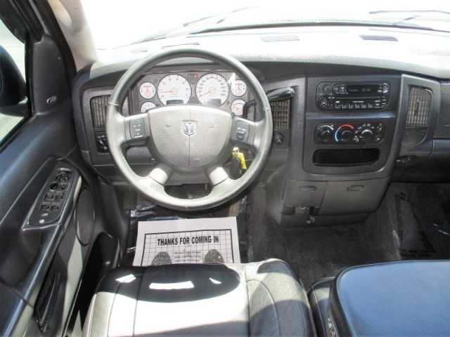 2004 Dodge Ram 1500 4dr Quad Cab SLT