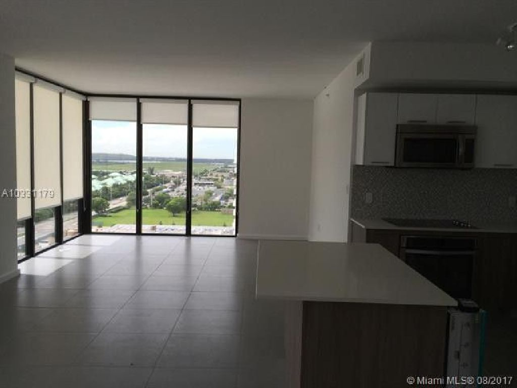 BEAUTIFUL PENTHOUSE, AMAZING VIEWS FROM THIS PRESTIGIOUS TOWER IN DOWNTOWN DORAL!!!