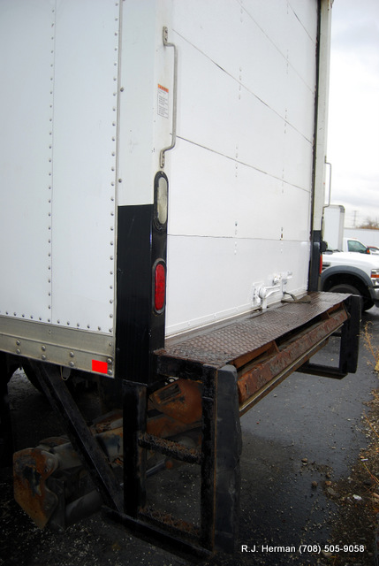 2009 Freightliner M2 Business Class 22ft CDL Straight Truck