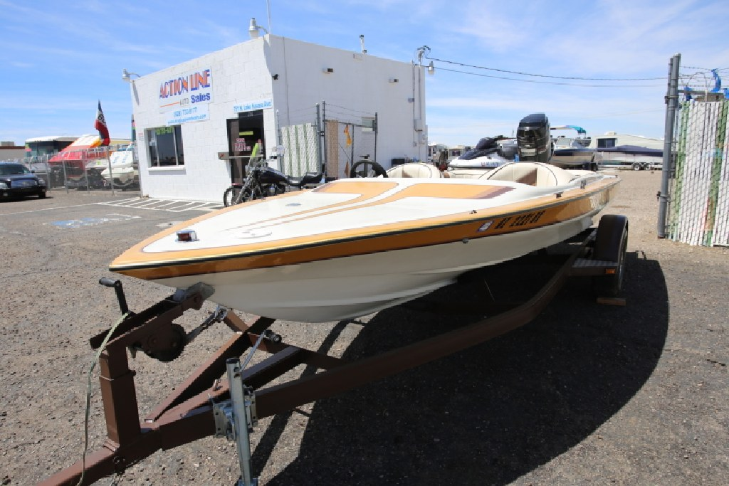 1986 Commander BOW RIDER OUTBOARD BOAT