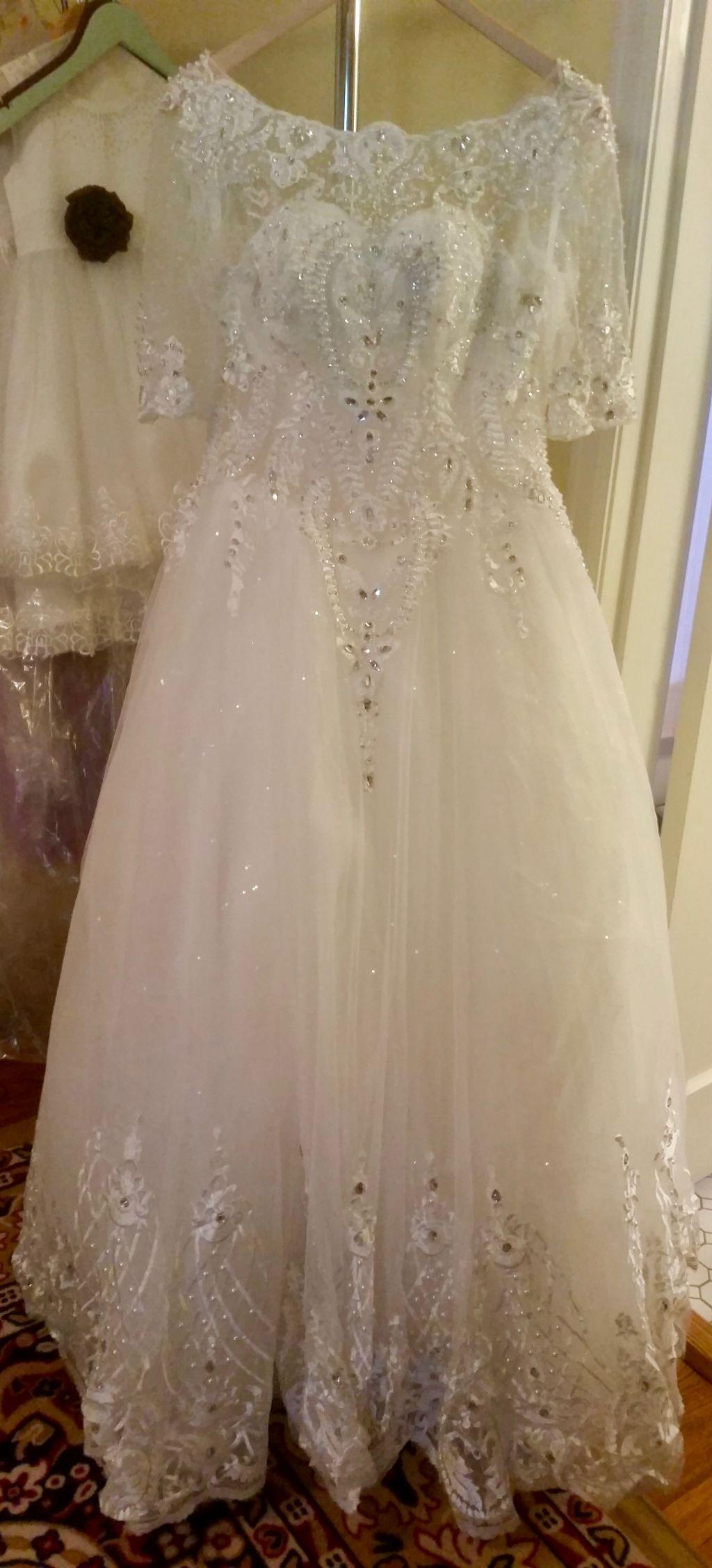 Lanna's Gorgeous Appliqué Sweetheart A Line Wedding Dress Without Train