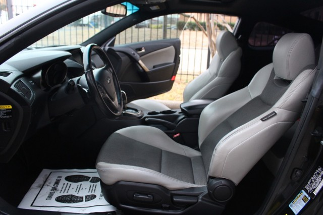 2013 Hyundai Genesis Coupe 2dr I4 2.0T