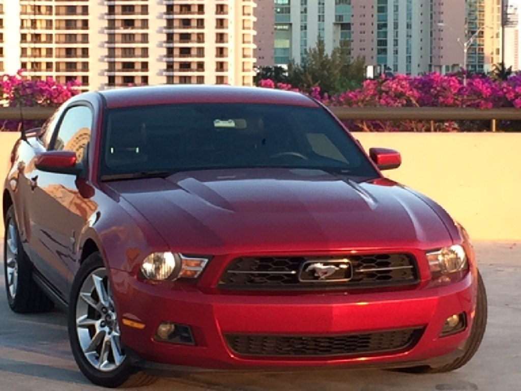 *** 2010 FORD MUSTANG PREMIUM PONY PKG*ONE OWNER*CLEAN TITLE ***