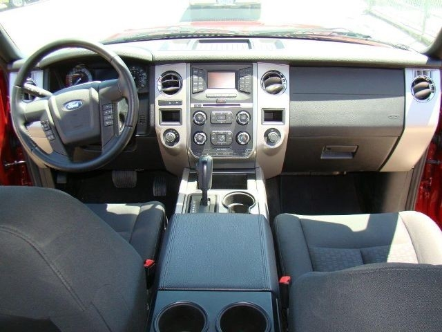 2016 Ford Expedition EL XLT Sport Utility 4D