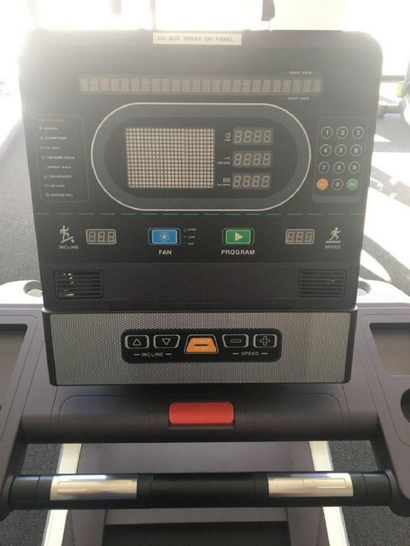 (3) SK Fitness Commercial Treadmills RTR#7103169-01,04