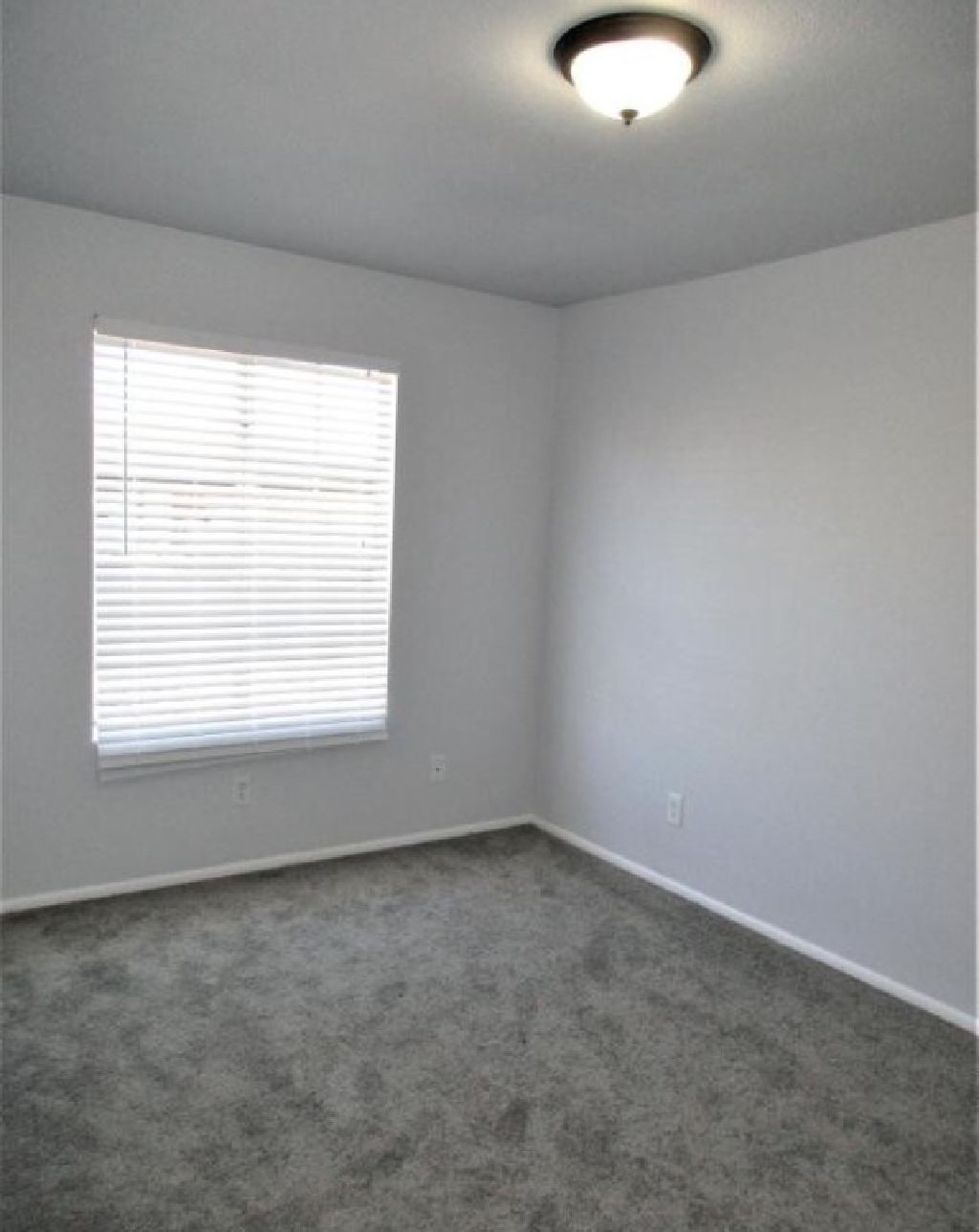 Room in Newly Remodeled Home in Quiet Mesa Neighborhood