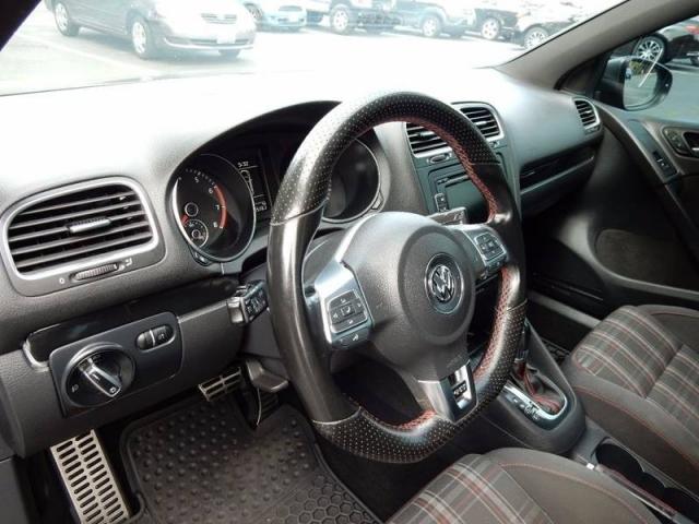 2011 Volkswagen GTI Base PZEV 4dr Hatchback 6A w/ Sunroof and Navigati