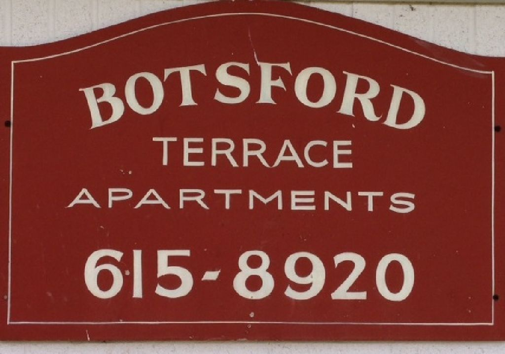 AVAILABLE TODAY! 1BR Apartment With Utilities Included.