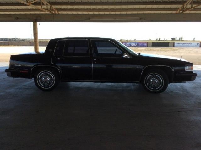 1985 Cadillac Deville 4dr Sedan