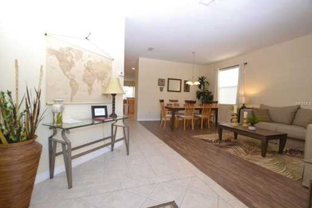 SPACIOUS GORGEOUS HOME WITH EXCLUSIVE GOLF COMMUNITY