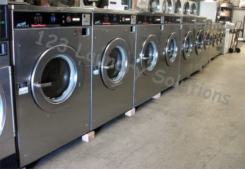 Coin Laundry Speed Queen Front Load Washer 50Lb 208-240V 60Hz 3Ph SC50MD2 Used