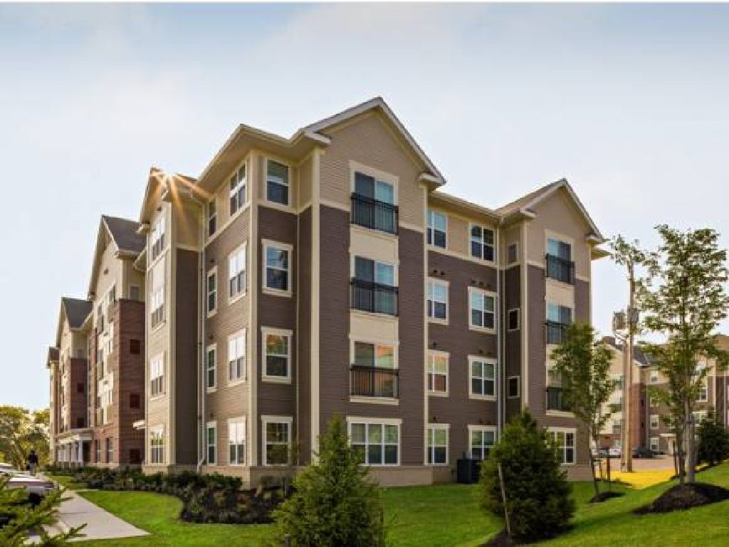 Sublet/Sublease Overlook Luxury Apartment-2 BED/ 2 BATH @ $1,199/Month (Camp Hill)