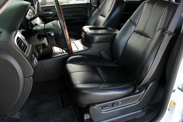 2008 GMC Yukon Denali 2WD 4dr