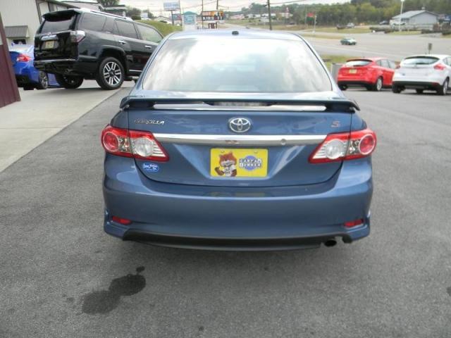 2013 Toyota Corolla 4dr Sdn Auto S (Natl)