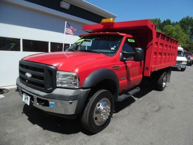 2006 Ford F550 SUPER DUTY Diesel Truck with Large Dump