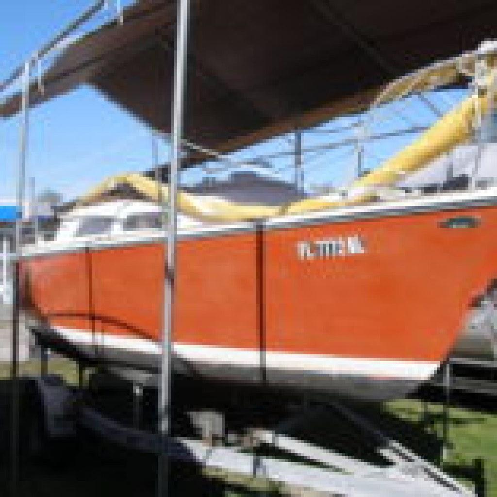 1975 22' 0'Day Sailboat