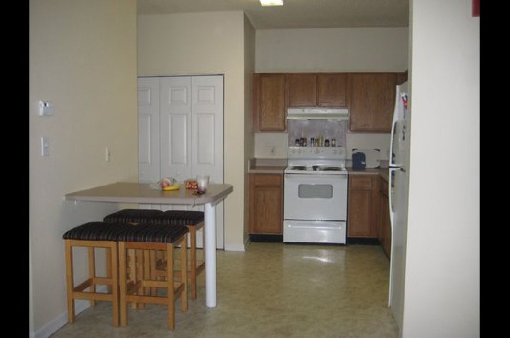 Sublease desperately needed for spring-summer term at Gainesville place apartments