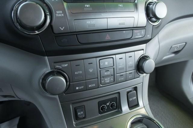 2010 Toyota Highlander 4WD 4dr V6 SE (Natl)
