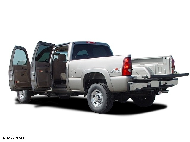 2004 Chevrolet Silverado 2500HD LS 153 WB