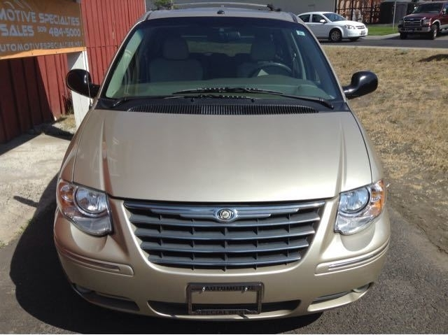2006 Chrysler Town & Country Limited