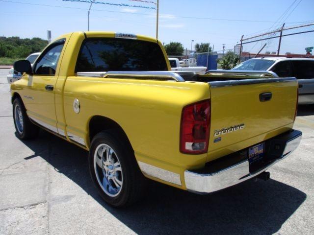2004 Dodge Ram 1500 ST 2WD