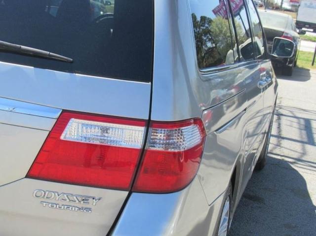 2005 Honda Odyssey Touring 4dr Mini Van