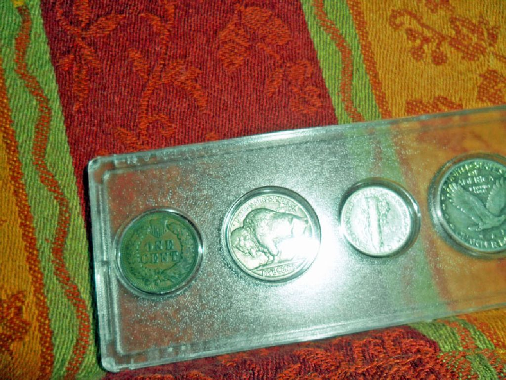Mixed Silver and Copper Coin Set in Plastic Holder. Bu, UNC to XF Condtion