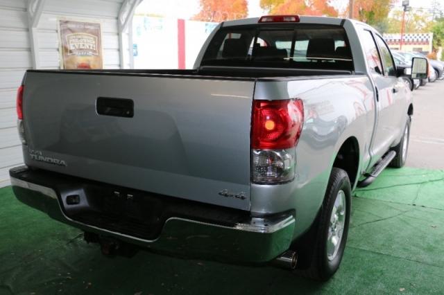 2009 Toyota Tundra 4WD Truck Dbl 5.7L V8 6-Spd AT (Natl)