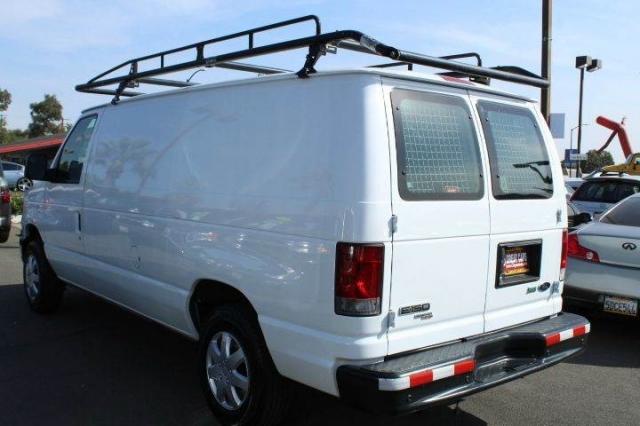 2011 Ford E-Series Cargo E 150 3dr Cargo Van