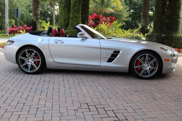 ** WOW 2012 MERCEDES BENZ SLS AMG ONLY 14K MILES **
