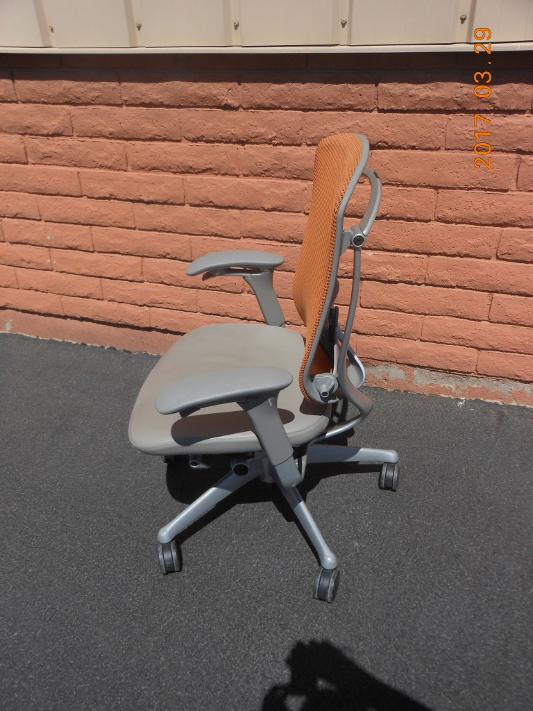 Contessa task chair