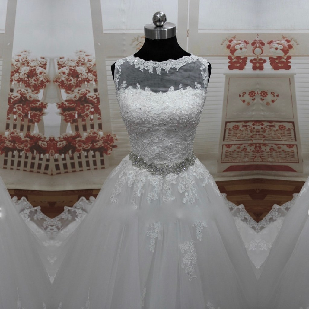Belinda's A Line Lace Wedding Gown Size 4 White