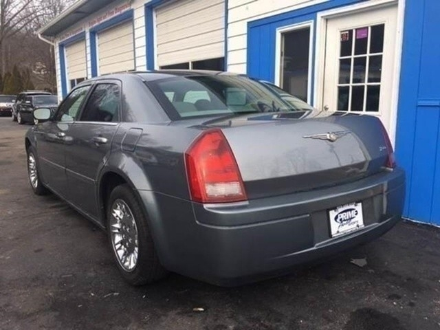 2006 Chrysler 300 Base 4dr Sedan