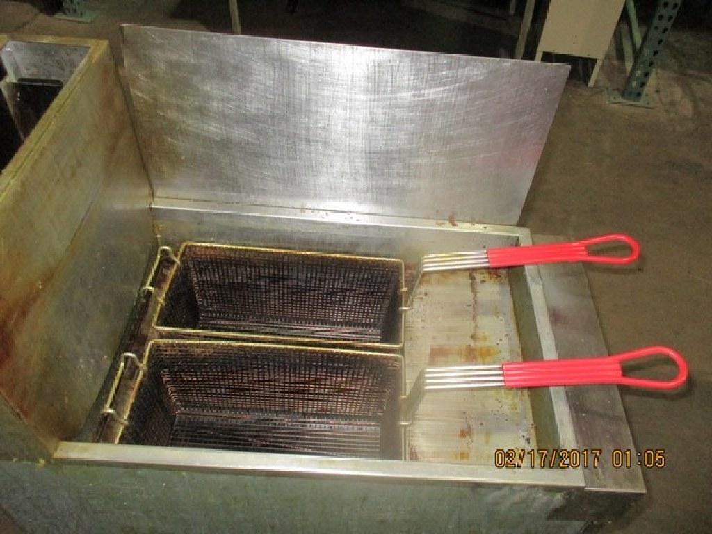 Vulcan, 35-40Lb. Natural Gas, 90,000BTU Fryer RTR#6122275-03