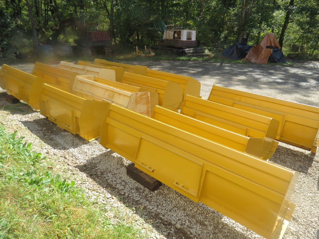 SNOW PUSHERS / SNOW PLOWS FOR SKID STEERS