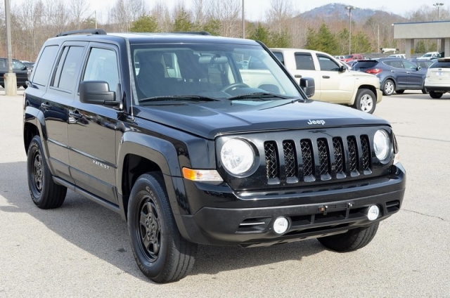 2012 Jeep Patriot SPORT 4WD VERY NICE AND WELL EQUUIPPED