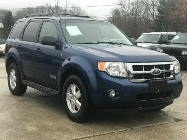 2008 Ford Escape XLT 4X4 LOADED V6 CLEAN w/ONLY 141K MILES