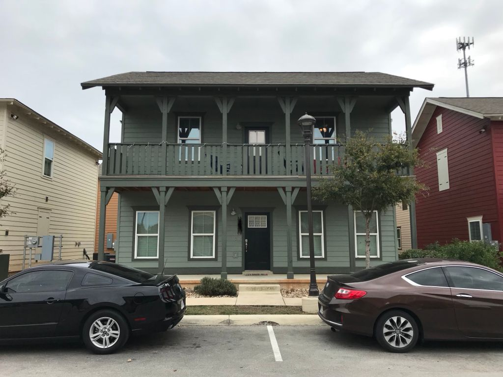 1 BED 1 BATH CAPSTONE SUBLEASE JANUARY FREE RENT