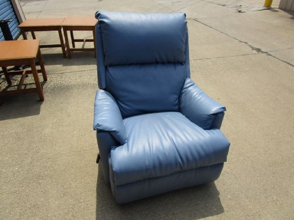 Assortment of (4) Recliners of Various Colors RTR#7063899-10-12