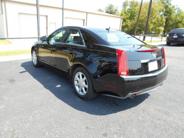 2008 Cadillac CTS 4dr Sdn RWD w/1SA
