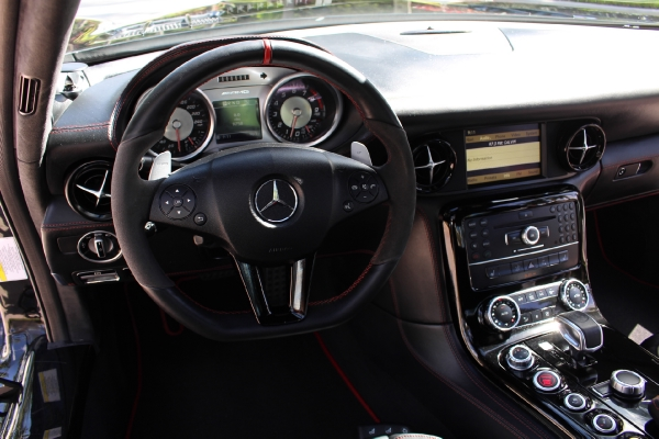 ** 2013 MERCEDES BENZ SLS AMG GT ONLY 9K MILES/LIKE NEW **